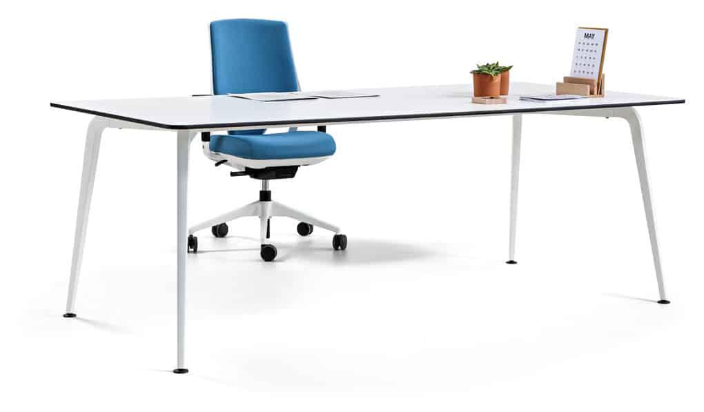 Mesa TWIST programa de mobiliario para multicpuestos